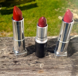 Photo taken by me Divine Wine- Maybelline, Dark Side- MAC, Mauve-ulous- Maybelline